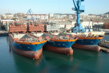 2800 cub Split hopper barges for Van Oord